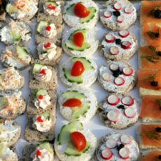 CHICAGO STYLE CANAPÉS