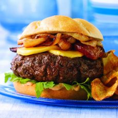 VENISON AND APRICOT STEAK BURGERS